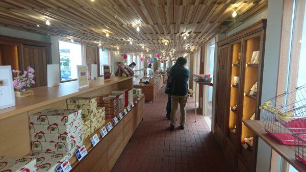 お店の中も、青山にあっても全然行ける、明るい気持ちの良いお店でした!