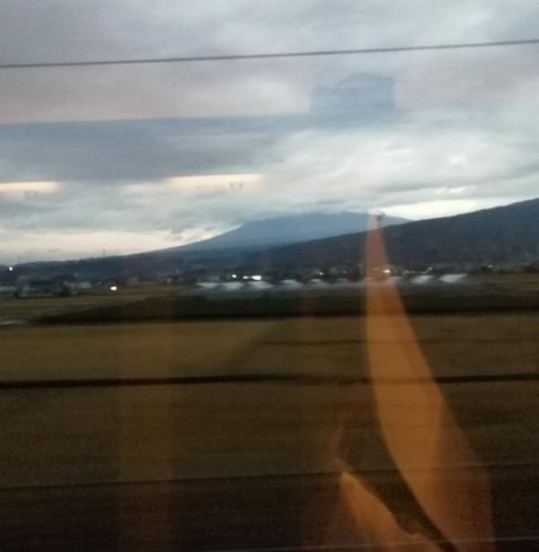 生憎、富士山の頭は見えませんでした
