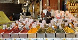 滋味の豊かな野菜に豊富な香辛料で、素晴らしい料理が楽しめます。地元のオリーブオイルは一級品です!