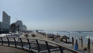 HiltonBeachから旧市街Jaffa方面を望む 完全ビーチシティ!